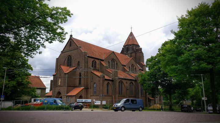 Ariterm in hogere sferen: de Heilig Hart kerk in Arnhem wordt verbouwd tot gezondheidscentrum. Twee van onze Ariterm pel...